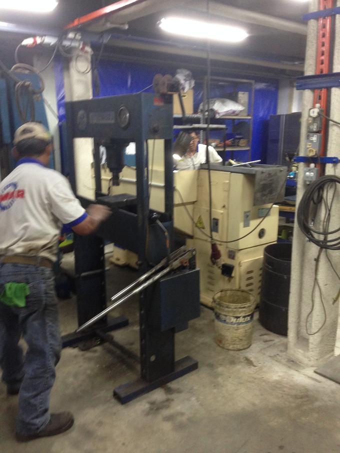 Teesin Hydraulic Press Machine