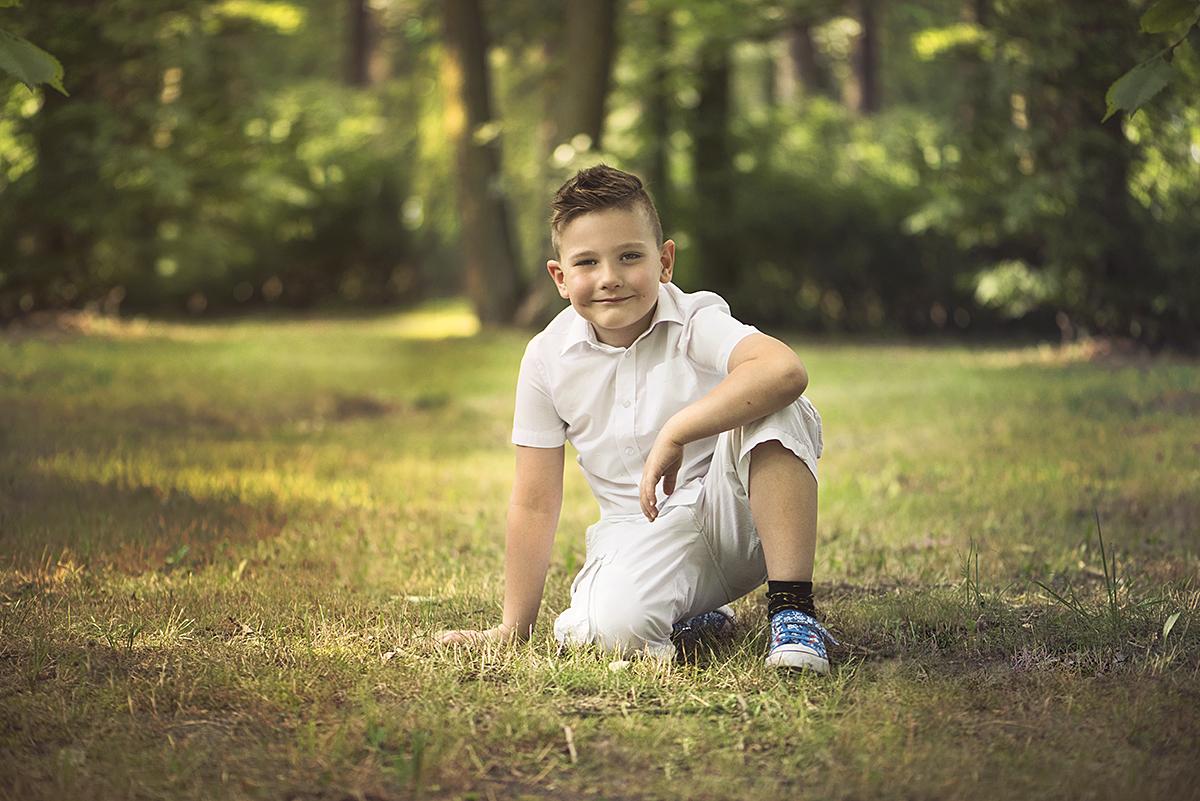 dziecięca-fotografia-w-plenerze