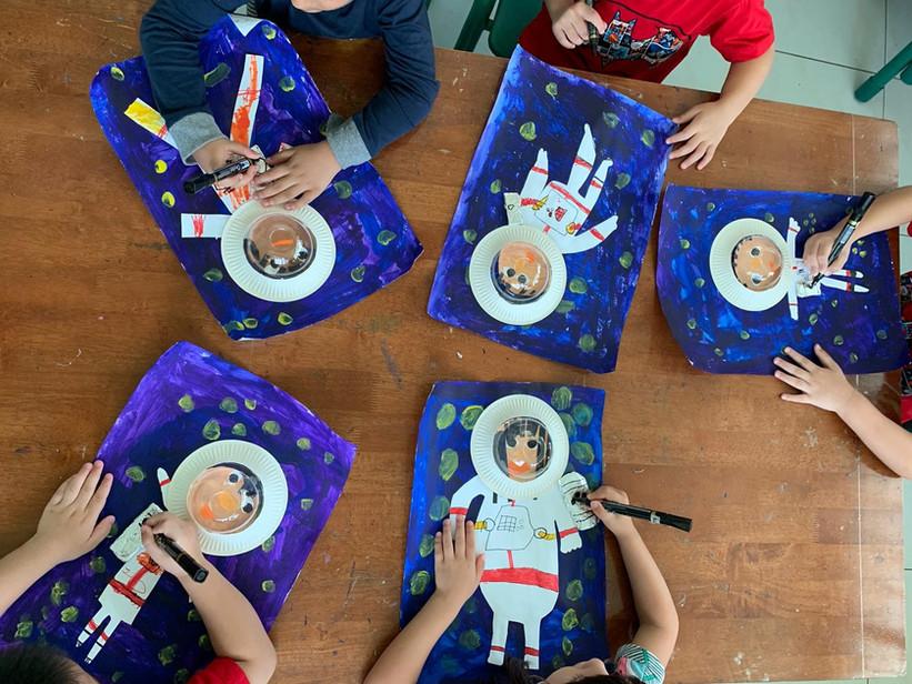 Picto Astronauts_edited.jpg