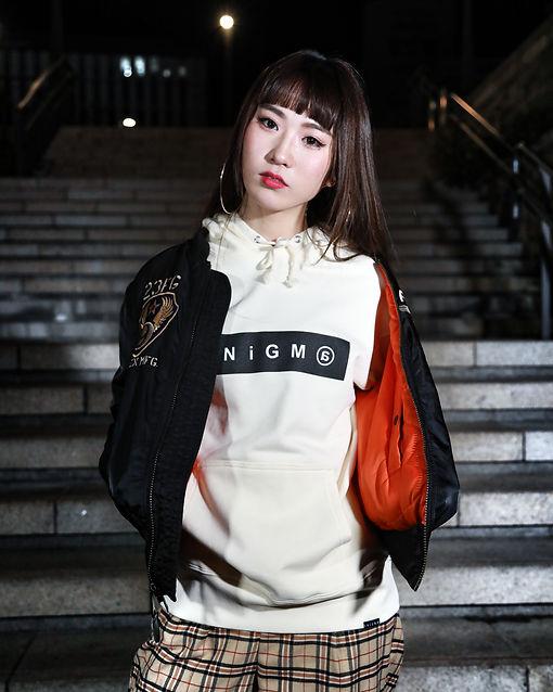 エニグマ,ボックスロゴ,女性モデル,model