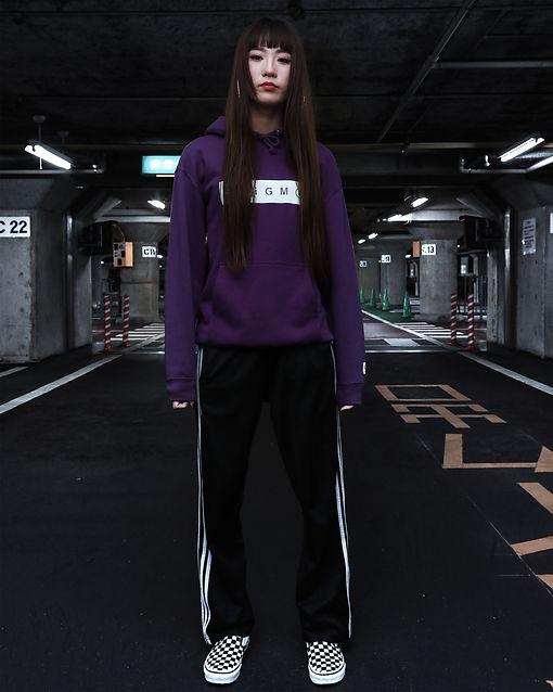 ボックスロゴ,女性モデル,model,エニグマ