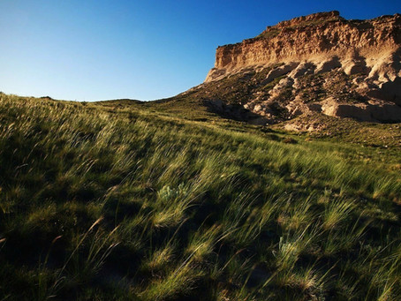 Hike at Pawnee Buttes Trail
