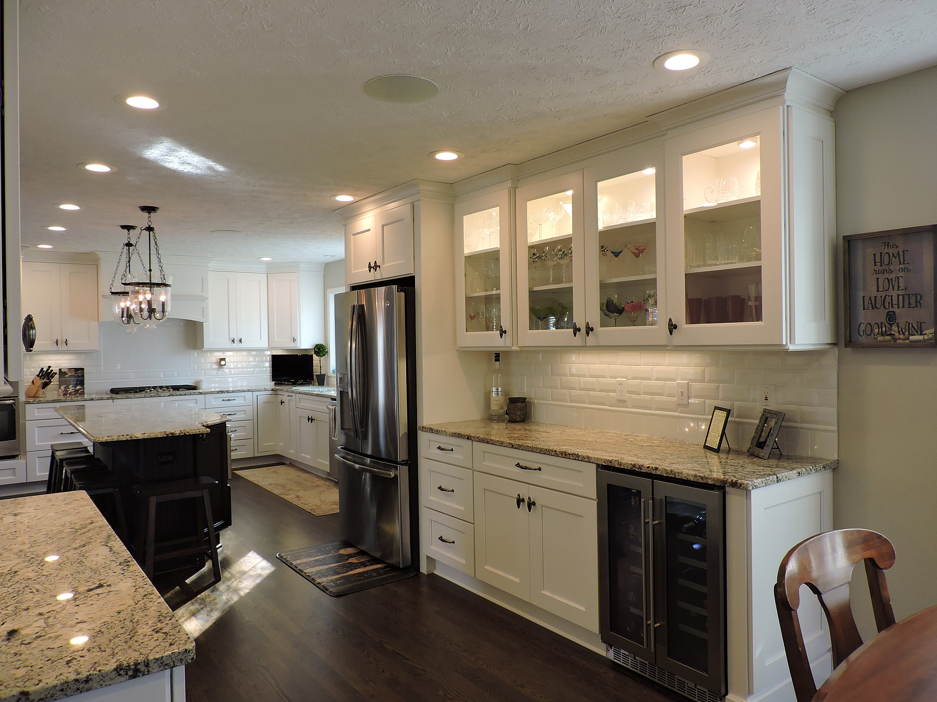High Quality Two Tone Kitchen