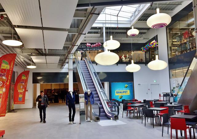 Villeneuve Retail Park, Villeneuve