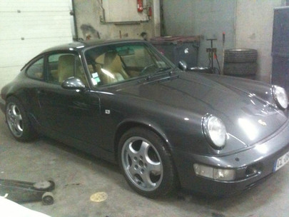 PORSHE 911 gris anthracite profil avant