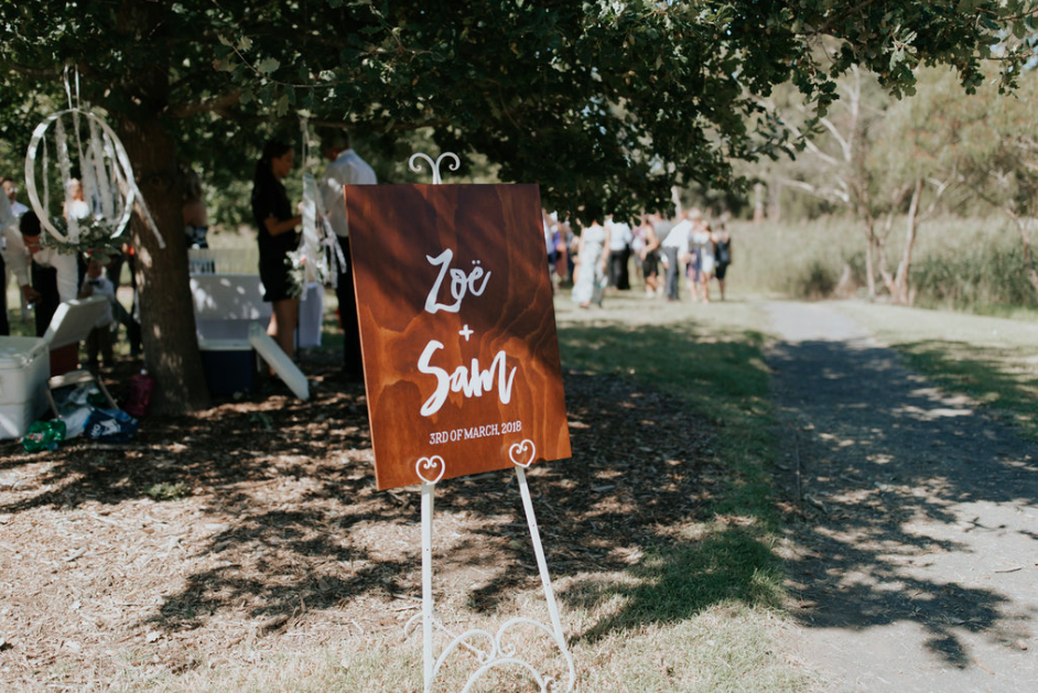 Sam and Zoe Sign