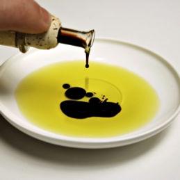 Olive oil Vingar 2.jpeg