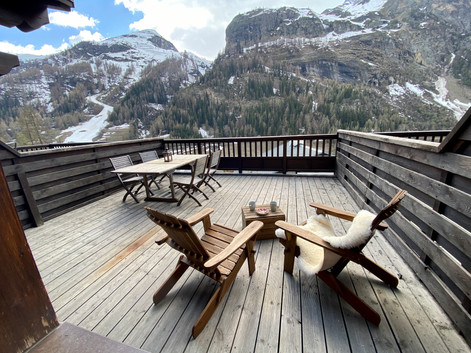 Terrasse vue sur les pistes et l'Isère