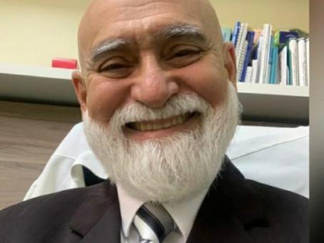 Os Parabéns de hoje são para o Dr. Meton Soares. Médico Cooperado Unimed Cariri