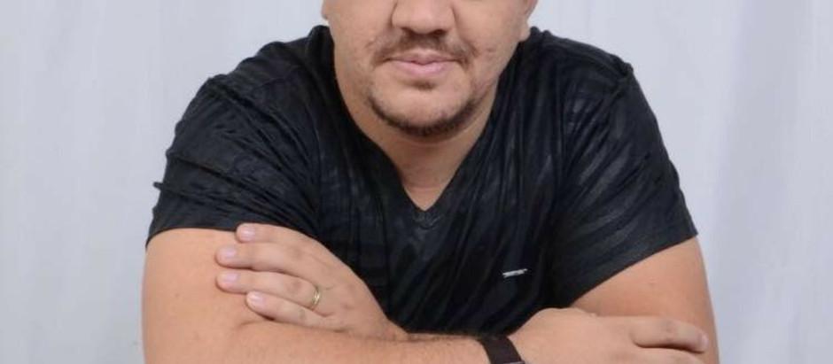 O HMSVP informa novo Boletim de saúde do músico e empreendedor Fábio Carneirinho