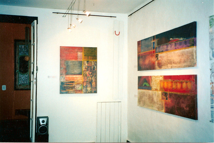 Exhibition Screens of Santiago - Delma Godoy Space