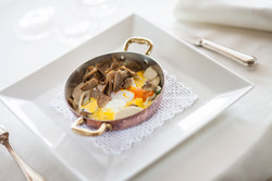 Uova con tartufo nero di Alba