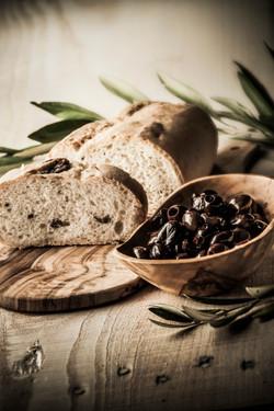 Olive-taggiasche-pane