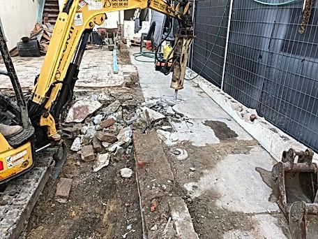 DC Demo Solutions Small excavator excavation 2