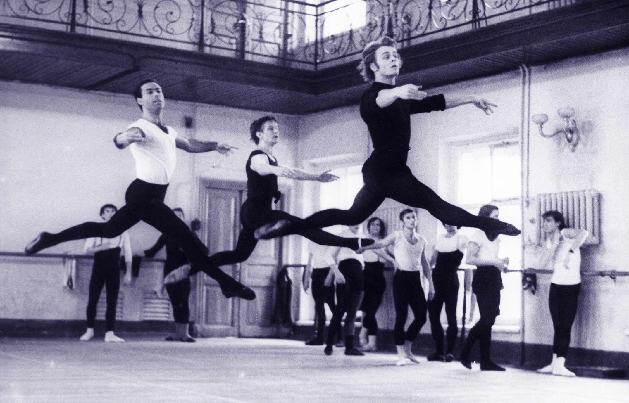 Vintage-photo-of-Mikhail-Baryshnikov-as-a-student-at-the-Vaganova-School