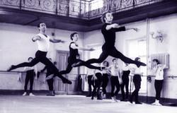 Vintage-photo-of-Mikhail-Baryshnikov-as-a-student-at-the-Vaganova-School