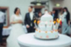 Funkenregen auf Hochzeitstorte