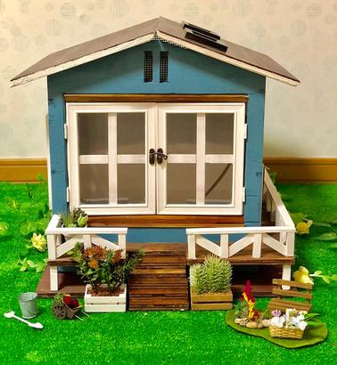 青い屋根のお家