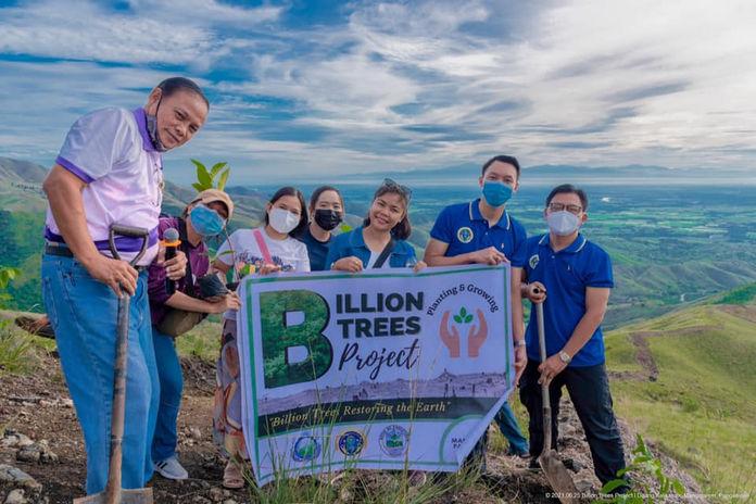 Tree Planting at Daan ng Kalikasan Lingayen Pangsinan.jpg