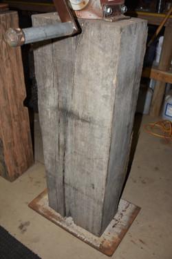 Raw plinth