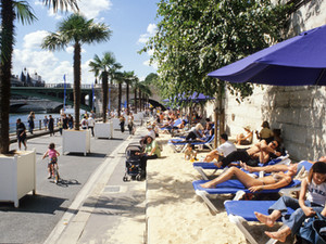 Paris-Plage: a beach pops up in Paris!