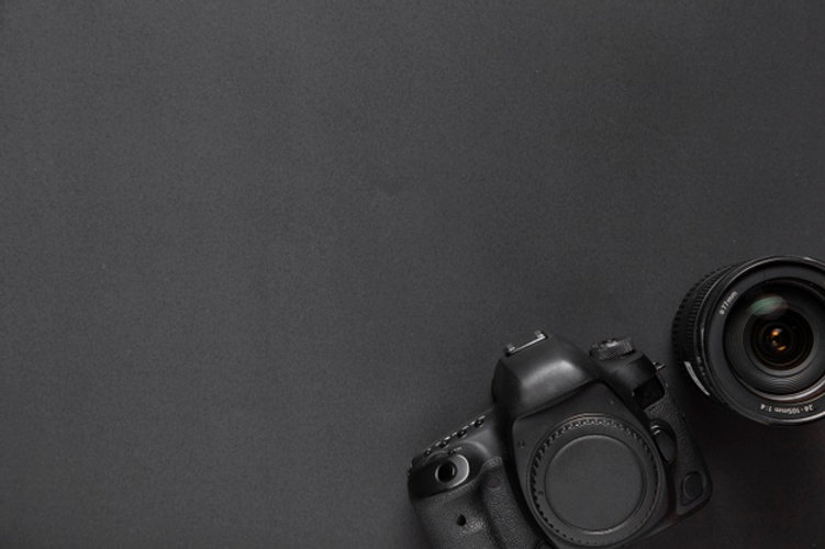photography-concept-with-camera-and-lens