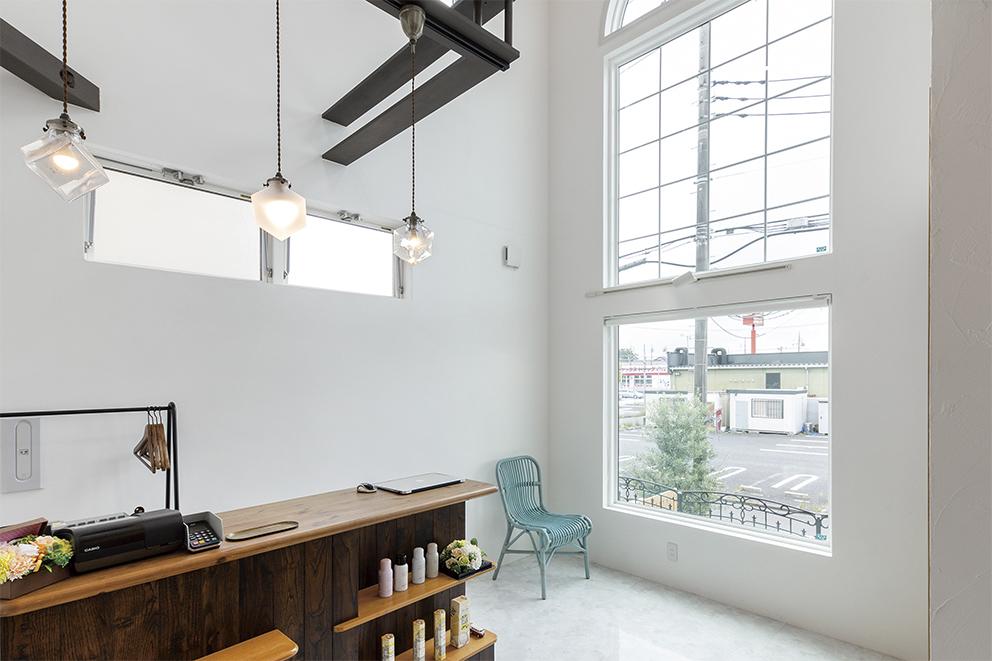 美容院施工事例純白な空間