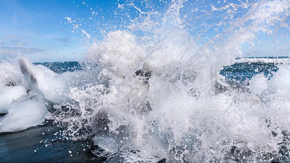 """Ice Splash at Diamond Beach"" (24""x36"")"