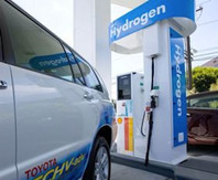 Toyota-Hydrogen-Fuel-Cell-Refueling-Stat