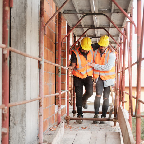 Understanding First Aid and Safety in the Building Industry