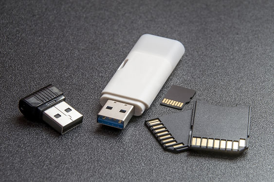 computer-accessories-1841254.jpg