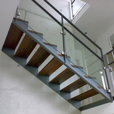 Treppen und Handläufe