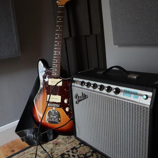 Fender Fender.JPG