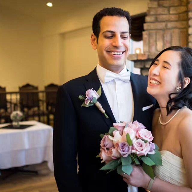 We offer 10% off on wedding floral desig