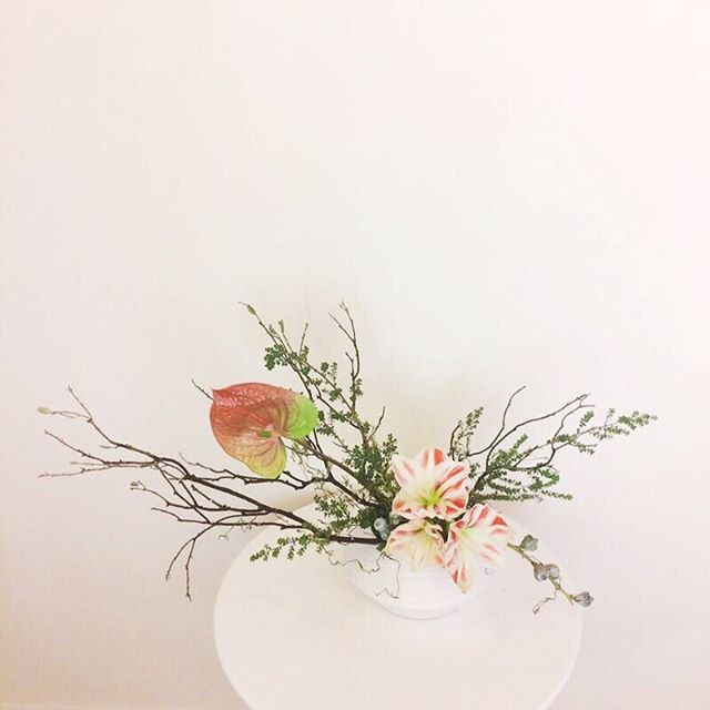 We also can do Ikebana-inspired floral a
