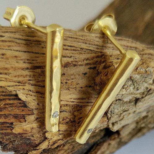 עגילי קו זהב עם שיבוץ זירקון