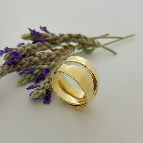 טבעת רחבה שלישיה