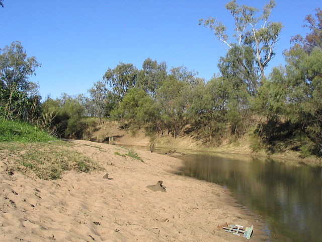 640px-Namoi-River-sand-bank.jpg