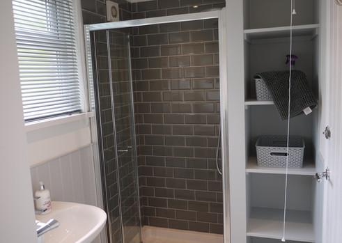 Harbour Strand shower room