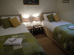 Starboard, twin or super king sized double bed