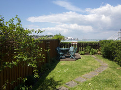 Garden with access to the sea