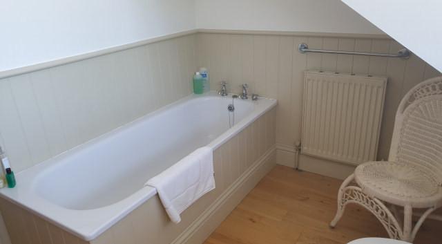 Freshfield House bathroom.jpg