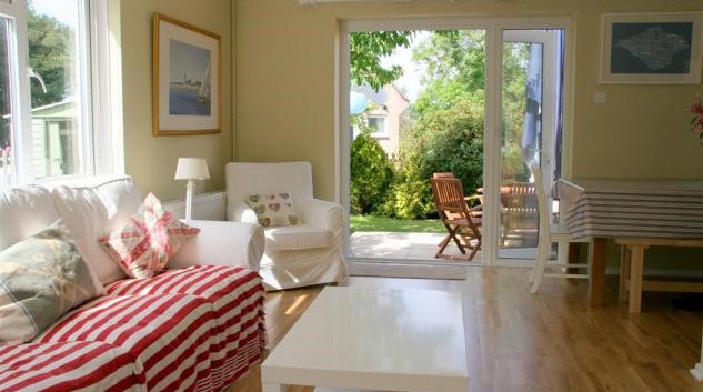 Sitting room with view of garden.jpg