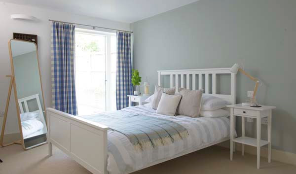 Renown Cottage double bedroom