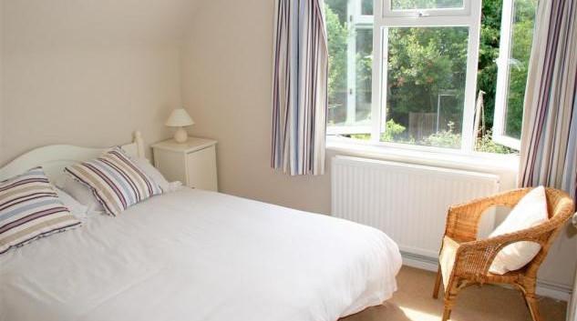 Double bedroom with en suite shower.jpg