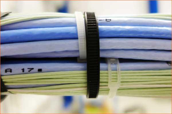SES-Sterling Belto kabelske vezice