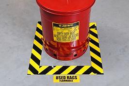 Oznake za nevarna območja in opremo