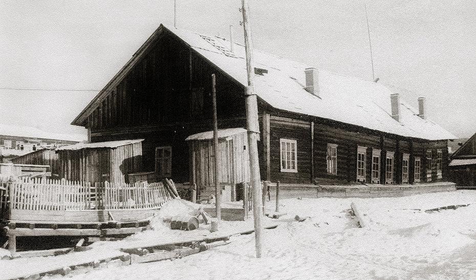 здание клуба поселок тура до 1964