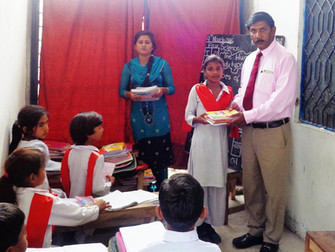 Fracarita Netherlands provide Pakistani students new school materials
