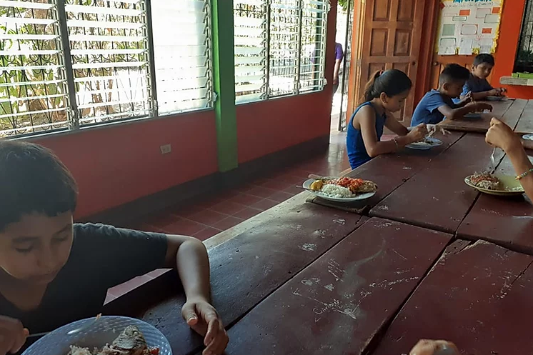 children who have nowhere else to go, are still welcome in the centres of the Brothers of Charity in Nicaragua, despite the corona crisis. There too, the social distance rules are respected...